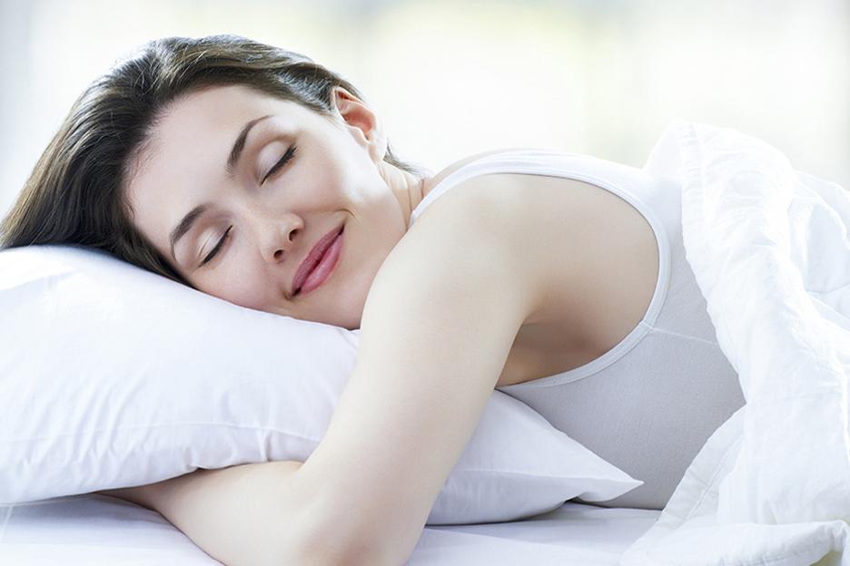 femme-dort-bien